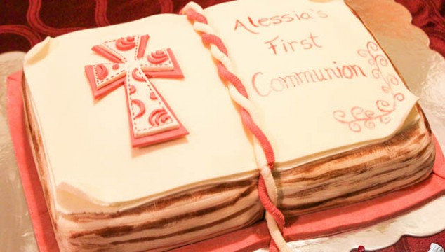 First Communion Open Book Cake / Tort Carte Deschisa Prima Comuniune / Pastel Libro de Primera Comunion