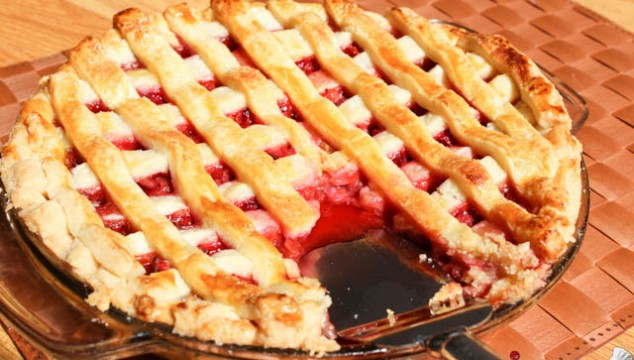 Rhubarb & Strawberry Pie / Placinta cu Rubarba si Capsuni