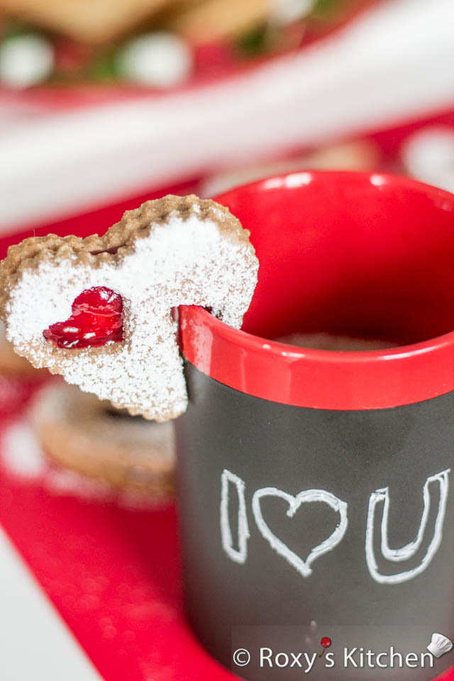 Easy and Creative Ideas for Valentine's Day  - Heart-Shaped Linzer Cookie on a Mug