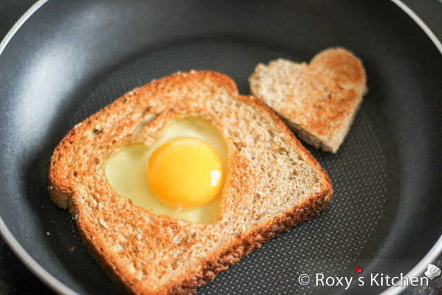 Easy and Creative Ideas for Valentine's Day - Add egg in the heart-shaped carving