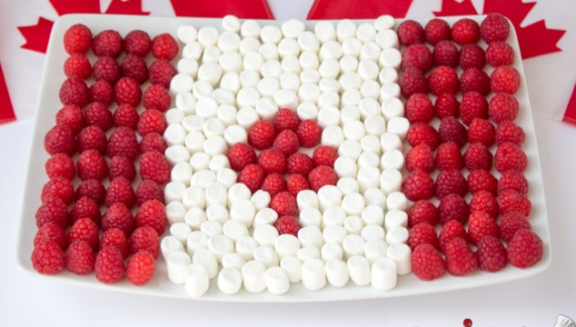 Wordless Wednesdays - Canadian Flag Made of Raspberries & Marshmallows | Roxy's Kitchen