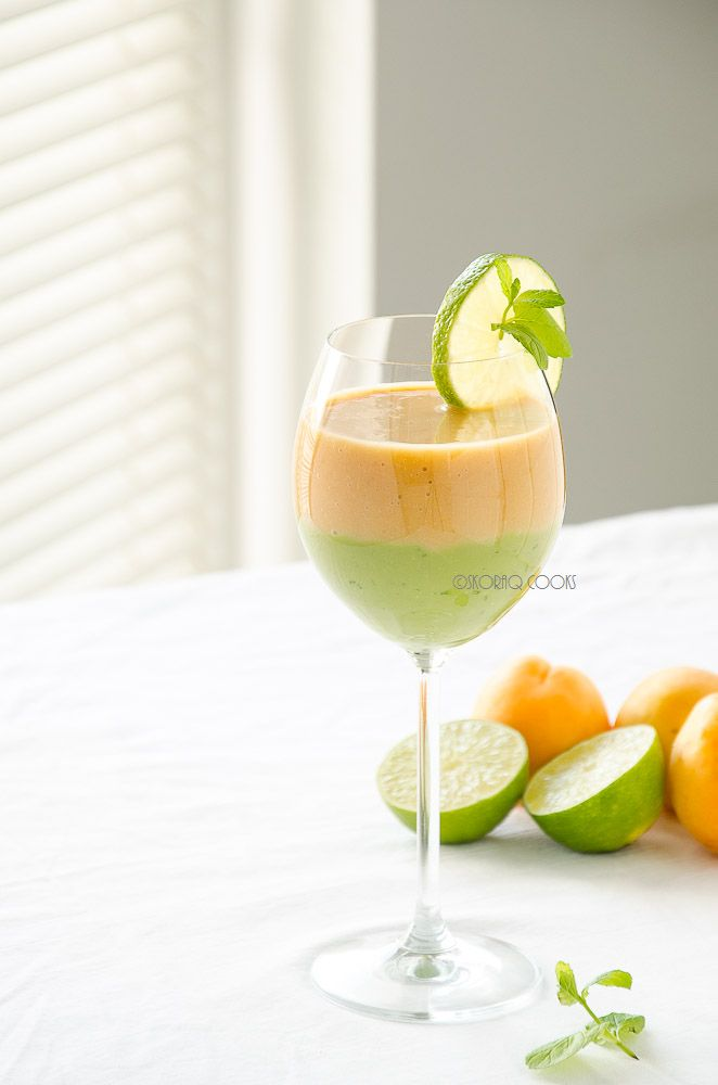 14. Avocado, Apricots & Mint Smoothie