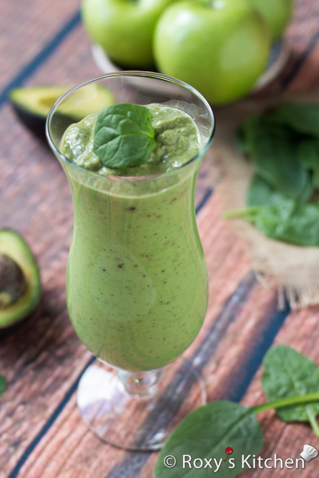 Creamy Banana Green Smoothie packed with fiber, vitamins, iron & protein.   Roxy's Kitchen– Healthy Eating Has Never Tasted So Good!