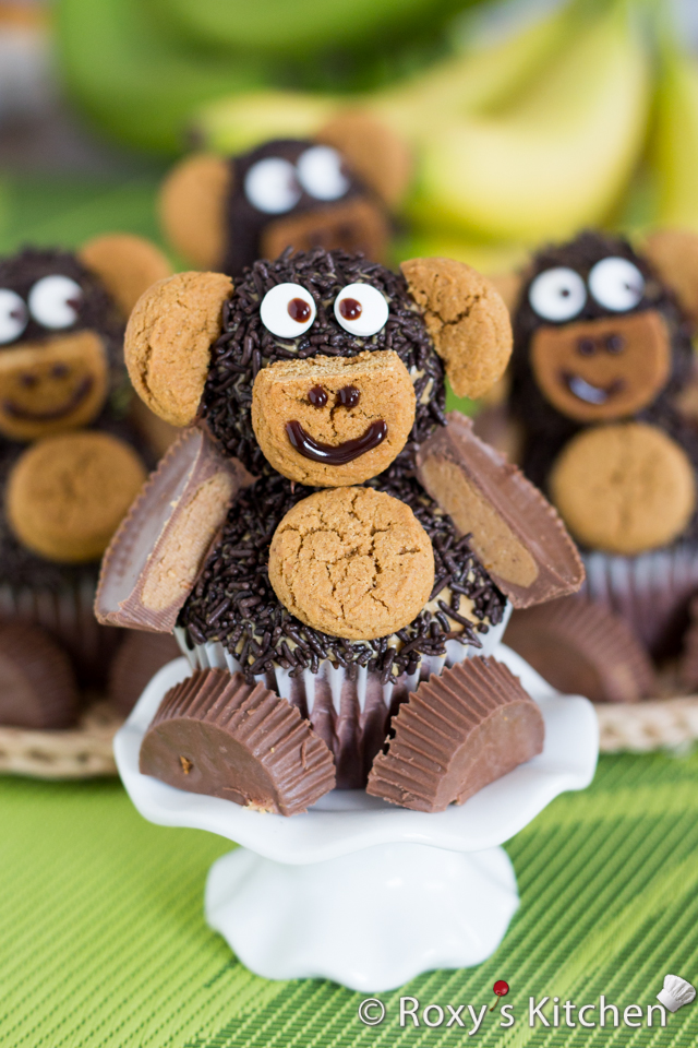 Quick & Easy Nutella Peanut Butter Monkey Cupcakes | Roxy's Kitchen – 3-ingredient cupcakes, easiest frosting ever and so easy to decorate with your kids!