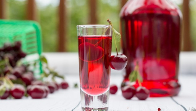 diy cherry liqueur homemade cherry liqueur recipe sour cherry liqueur ...