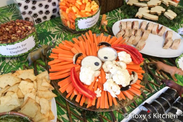 Safari / Jungle Themed First Birthday Party Part II – Appetizers, Finger Foods & Snack Ideas - Lion Face Made Out Of Veggies