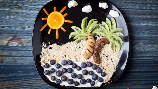 Our Spain Vacation is Coming to an End! Palm trees, sand, water, sun made out of food... #creativefood #foodart
