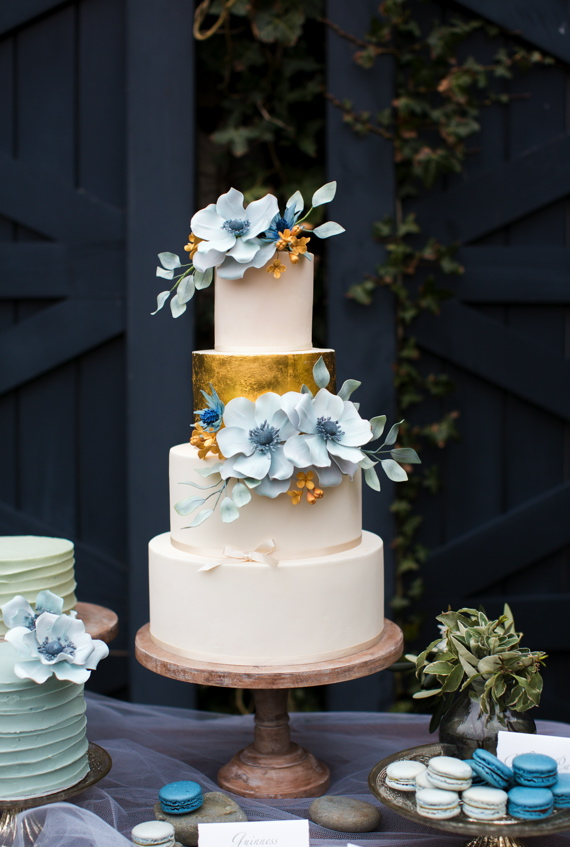 Modern Wedding Cake White Golden Blue Check Out 14 Fabulous