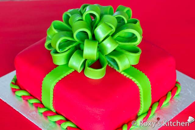 Permalink to Christmas Present Cake